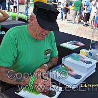 R Lee Ermey autographs